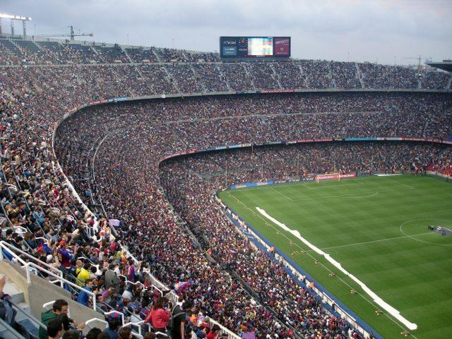 Tarihin En Büyük Futbol Stadyumları